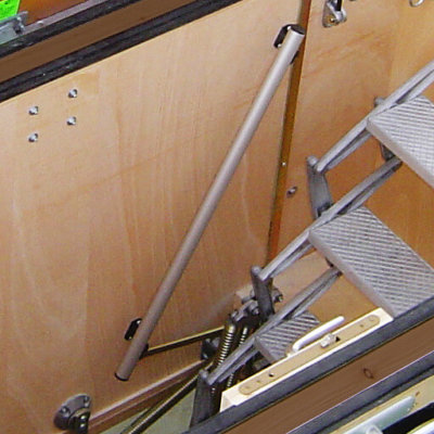 Grab rail for use in deep hatch box